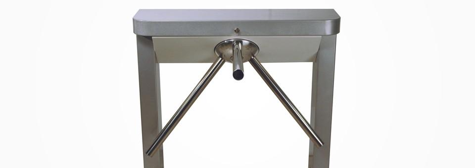 Tornello bridge è un tripode mono o bidirezionale. La soluzione ideale per controllare l'entrata e uscita delle persone