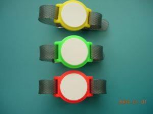 Bracciali verde, rosso, giallo